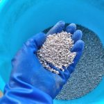 芝生に固形肥料と液体肥料の両方を使用して効果を倍増させる方法😃✨